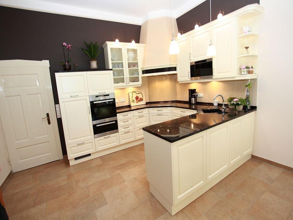 Küchen im Landhausstil aus dem Münsterland – Granitplatte